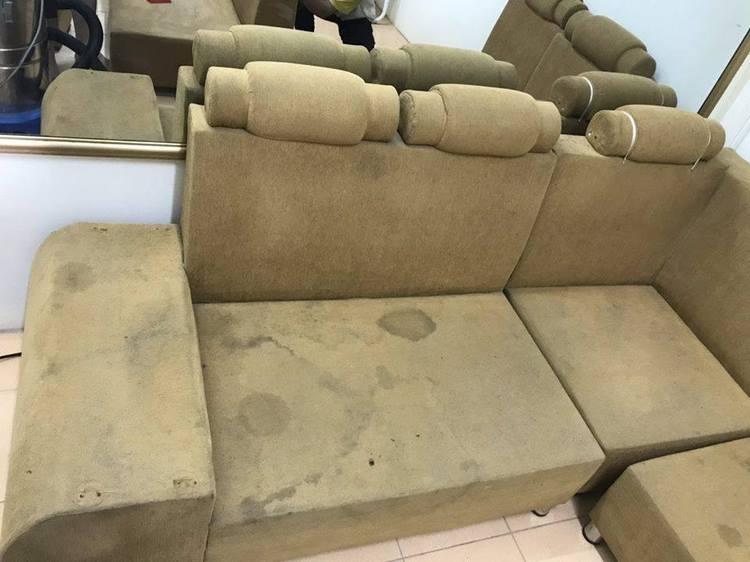 Làm sạch ghế sofa bị dính vết bẩn