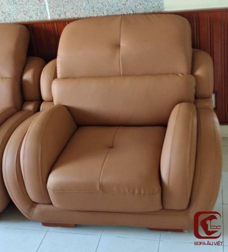 Ghế sofa da công nghiệp sau khi bọc lại cho khách hàng