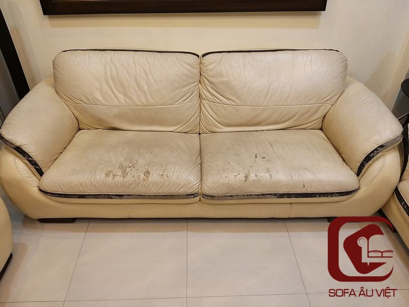 Ghế sofa da công nghiệp trước khi bọc lại